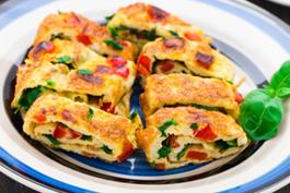 Photo recette : Tortilla aux tomates et aux poivrons